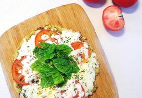밥으로 건강하게 만드는 바질페스토 계란 밥 누룽지 피자 만들기(만드는 법)