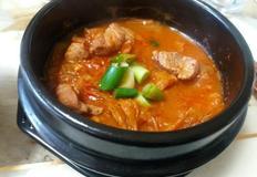 인스턴트 사골육수로 김치찌개 맛있게 끓이기