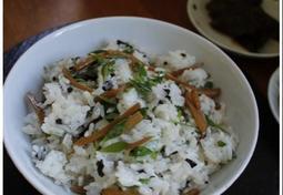 파릇파릇 돗나물영양밥