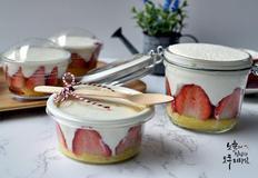 딸기컵케이크 노오븐베이킹 쉽고 간편한 딸기케이크만드는법