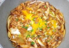 남은 치킨 간장덮밥.