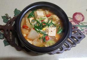 봄내음 가득한 봄밥상 달래 된장 찌게