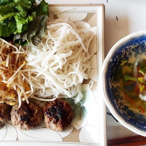 #베트남 분짜만들기 #고기완자를 구워서 숙주와 쌀국수, 그리고 각종 채소를 소스에 넣어서 먹는 베트남 분짜!!!