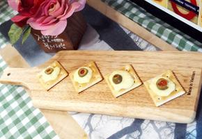 #카나페 #나초에 찍어 먹는 #치즈소스만들기 #나초가 아니어도 짭쪼름한 크래커 위에 올려서 먹으면 와인안주로 변신!
