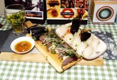 #육우요리 #육우고기양념 #소고기스시만들기 #육우를 이용한 초밥~~ 간단하게 구워서 밥위에 올려 먹는 소고기스시!!