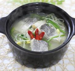 자연산 농어를 이용해 끓인 맑은 국물요리 : 농어지리탕