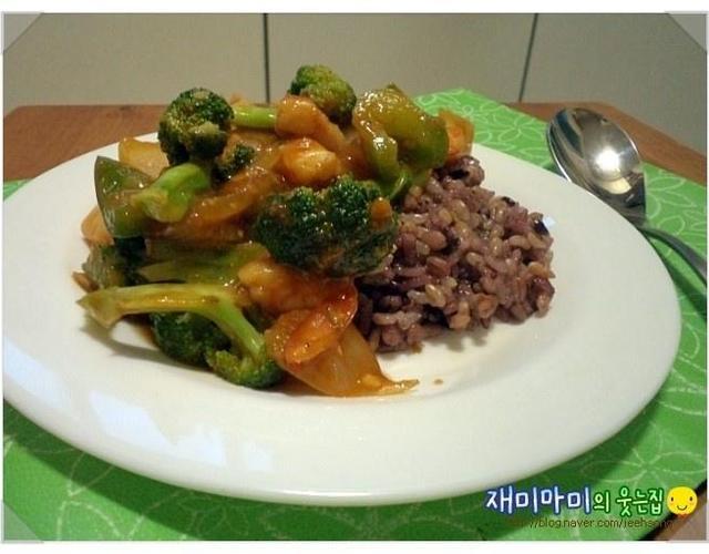 칠리새우채소덮밥