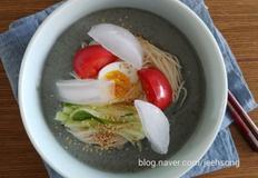 검은콩국수:콩 불리지 않고 즉석에서 만들어요 (feat.압력밥솥)