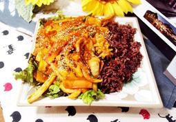 #해산물요리 #덮밥요리 #오징어덮밥만들기 #오징어볶음덮밥 매콤하게 볶아낸 오징어볶음에 밥을 비벼서 먹는 일품요리!!