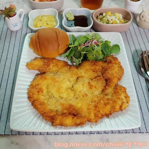 치킨버거까지 만들어 먹는 치킨까스(닭가슴살치킨까스)