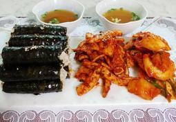 무김치부터 오징어무침까지 제대로 즐기는 충무김밥(밑반찬으로도 먹어요)