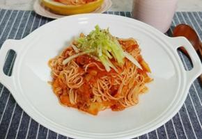 더위에 먹어야 제맛인 참외 비빔국수(참외로 만든 비빔국수양념장)