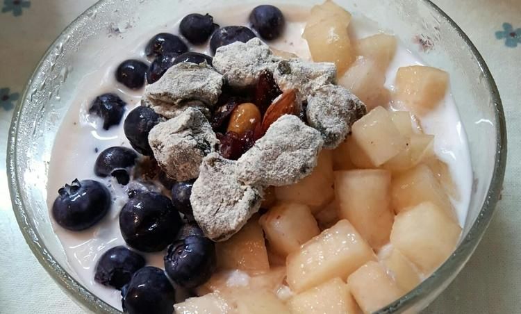 <여름제철 과일> 블루베리&복숭아 밀크빙수