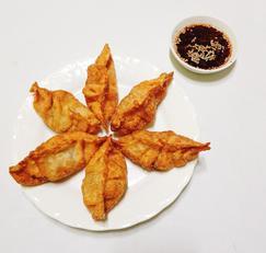 3가지 재료로 바삭바삭 초간단 야끼만두만들기(당면만두)