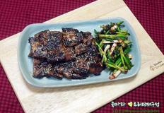 돼지고기요리/춘장양념 삼겹살구이, 즉석 쪽파무침