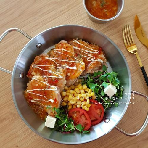닭다리살 요리 - 닭다리스테이크