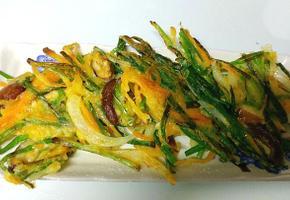 남은 야채로 만든 맛있는 야채부추전