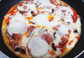 프라이팬으로 피자 만들기
