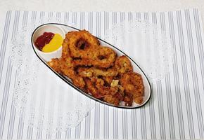 바삭바삭 간식으로 최고 오징어링 튀김 만들기