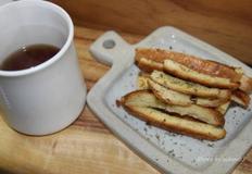 노오븐 자투리식빵으로 만드는 마늘 식빵러스크