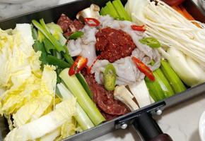 육우를 사용한 불고기 낙지전골(육수 없이 간단하게 끓이는 방법!!)