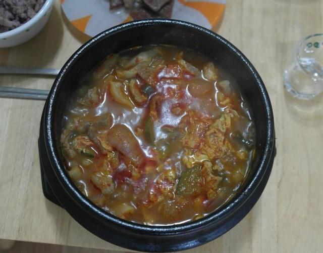 돼지찌개 / 목살찌개 중독성 강한 매콤한 맛 ^^