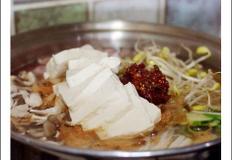 뜨끈뜨끈 초간단 부대찌개(목우촌 사골육수+디포리육수)