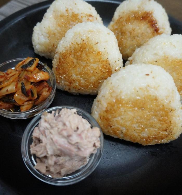 구운 주먹밥 만들기