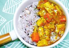 다이어트 식단으로도 좋은 담백한 덮밥! 두부카레덮밥