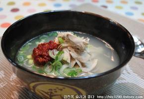 추운 날씨에 몸을 녹여줄 뜨끈한 닭곰탕(김진옥요리가좋다)