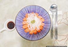 간단한 일본 한그릇요리 '사케동' 만들기(연어덮밥)