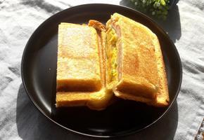 든든한 아침을 위한 고구마 샌드위치