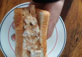 주말 아침 먹을거 없을때 간단히 먹는 참치샌드위치!
