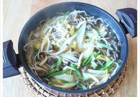 집에 있는 채소 양껏 넣고 끓인 불고기전골