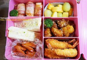 알찬 도시락, 베이컨말이주먹밥, 새우튀김, 샌드위치, 오렌지치킨, 소시지볶음