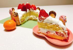 딸기생크림케이크 만들기 딸기가 좋아! 귤과 함께 궁전모양으로 만들었어요 :)