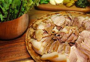 부드럽고 냄새 없는 돼지고기 앞다리살 : 수육 만들기