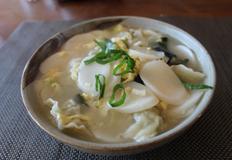 그냥 따라하는 맛있는 떡국 끓이기 (feat 만두와 멸치다시마육수)