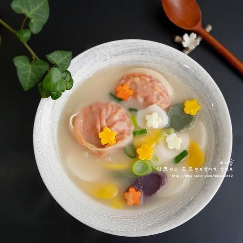 사골떡만두국 - 사골 떡국 끓이는 법