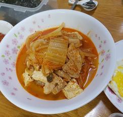 초간단 돼지고기 김치찌개 - 입맛 없을 땐 딱!!
