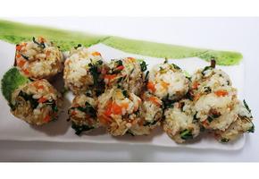 멸치주먹밥:) 고소한 멸치볶음으로 만든 간편주먹밥
