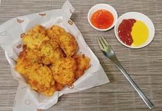 닭가슴살로 만드는 부드럽고 촉촉한 치킨너겟 만들기