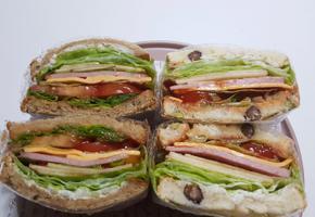 속이꽉찬 든든한 샌드위치