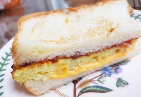 간편 간식 토스트 * 딸기잼과 양배추로 달콤한 꿀토스트