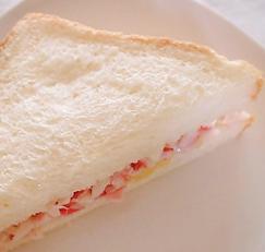 식빵으로 더 맛있게! 맛살샌드위치