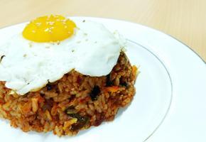 신이 내린 맛 존맛탱 김치볶음밥 만들기 고오급진 음식으로 대 변신!!