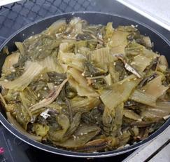 군내나는 묵은김치가 맛있는 밥반찬으로 재 탄생