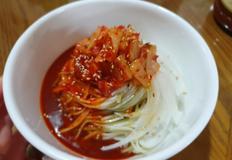 초간단 쫄깃탱글 국수 삶는 비법! 여름맛 비빔국수!♡