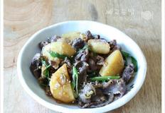 양념이 쏙 밴 포실한 감자가 더 맛있는 불고기 감자조림, 소고기 감자조림