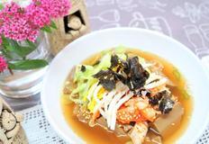 도토리묵밥, 묵사발 멸치 육수까지 맛있게